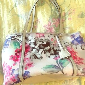 Floral shoulder purse